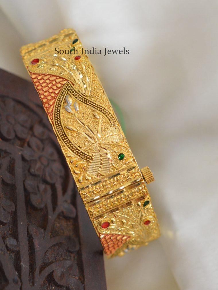 Stunning Gold Polish Kada Bangle