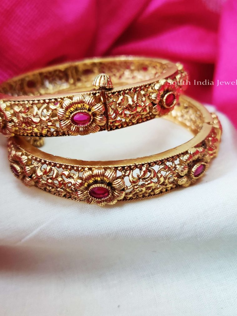 Traditional Floral Pink Stone Bangle Set (3)