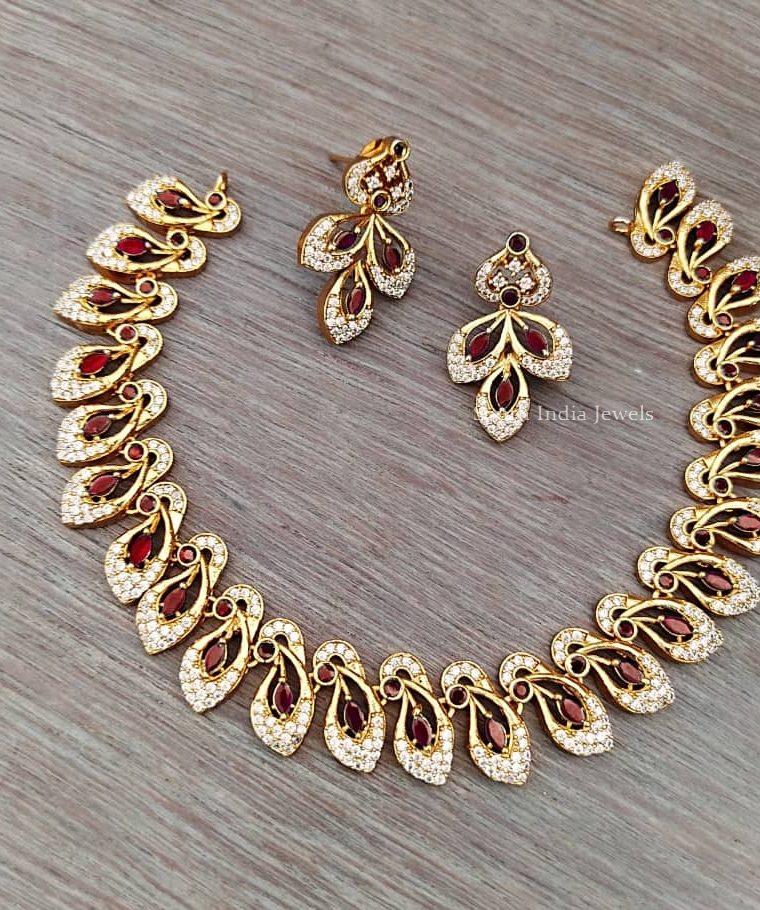 Attractive Design Necklace Set