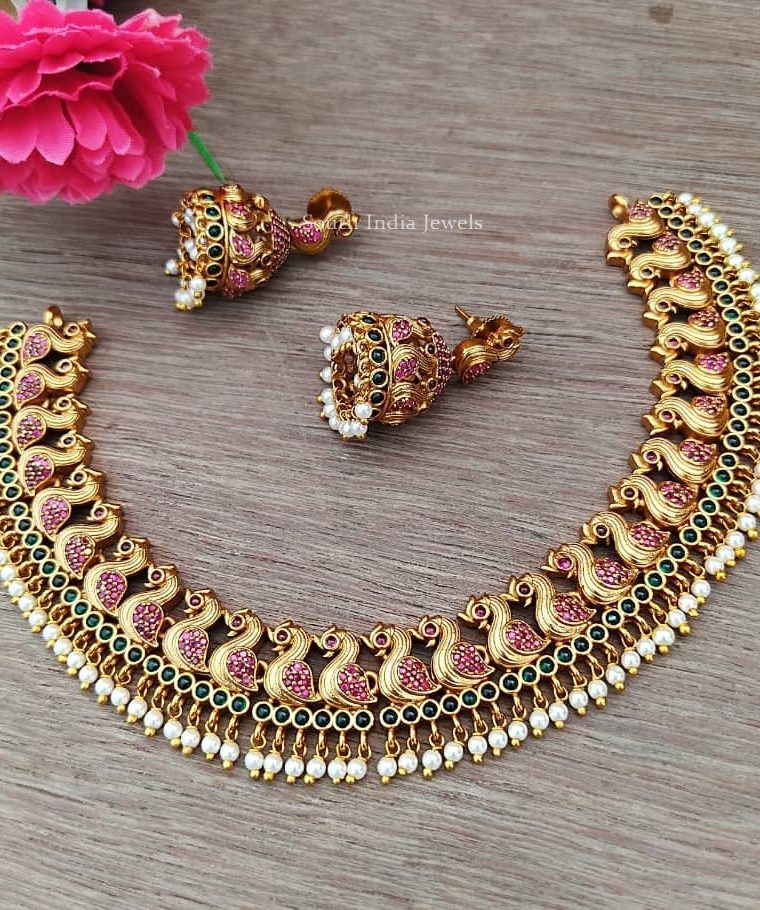 Beautiful Bird Design Pearls Necklace