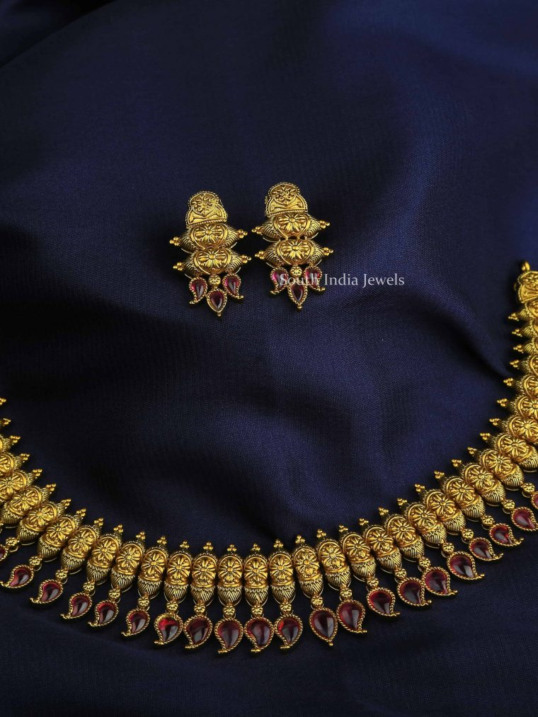 Beautiful Gold Finish Necklace