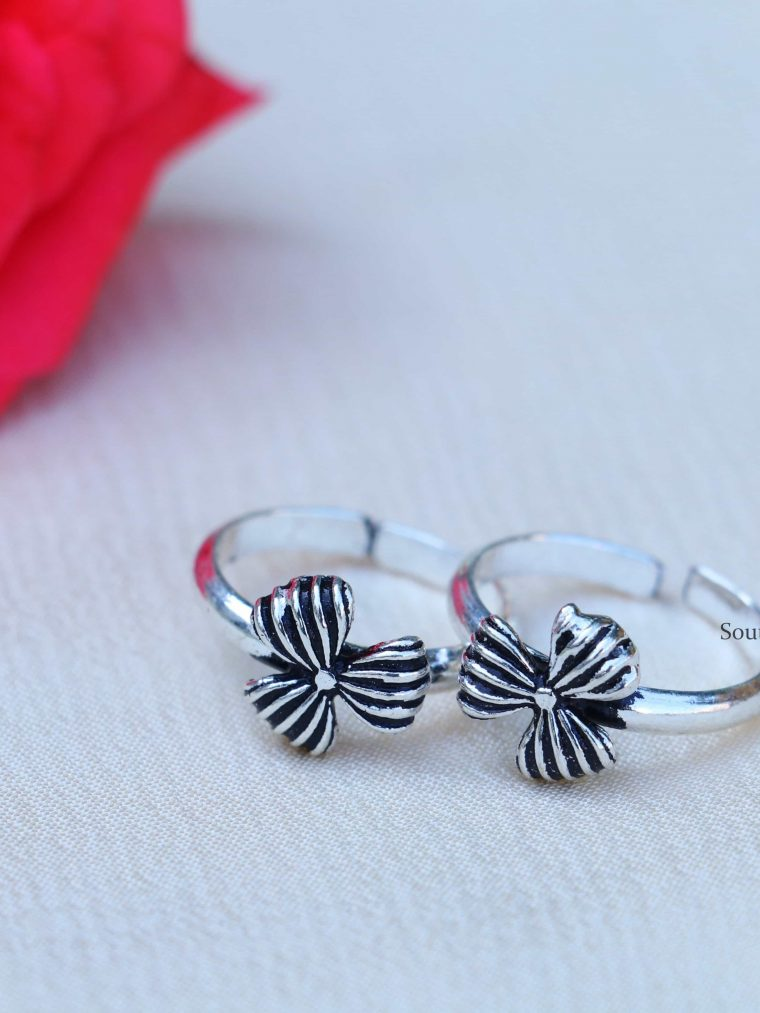 Cutwork Oxi Finish Sterling Silver Toe Rings