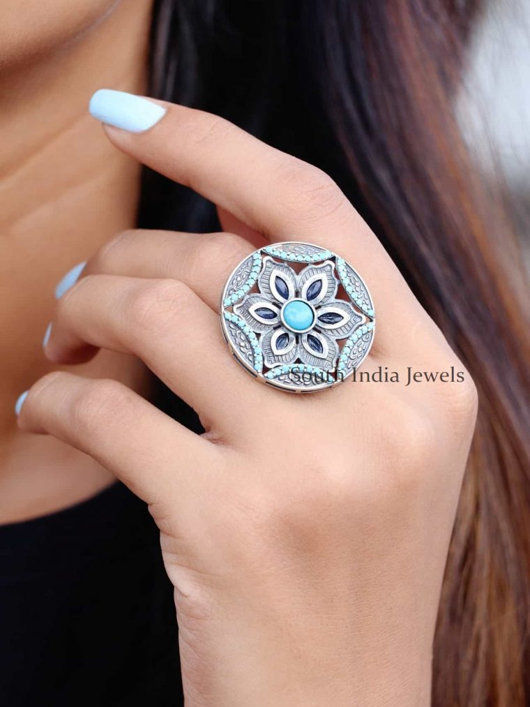 Flower Design Sterling Silver Finger Ring