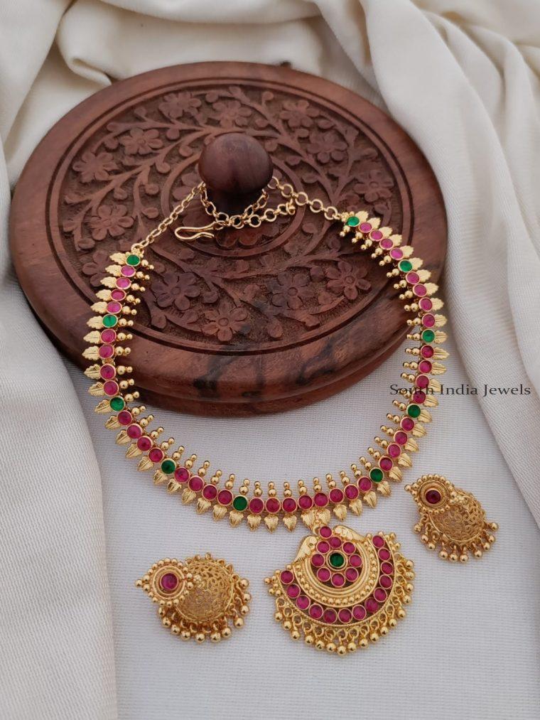 Gorgeous Kemp Stone Necklace Set