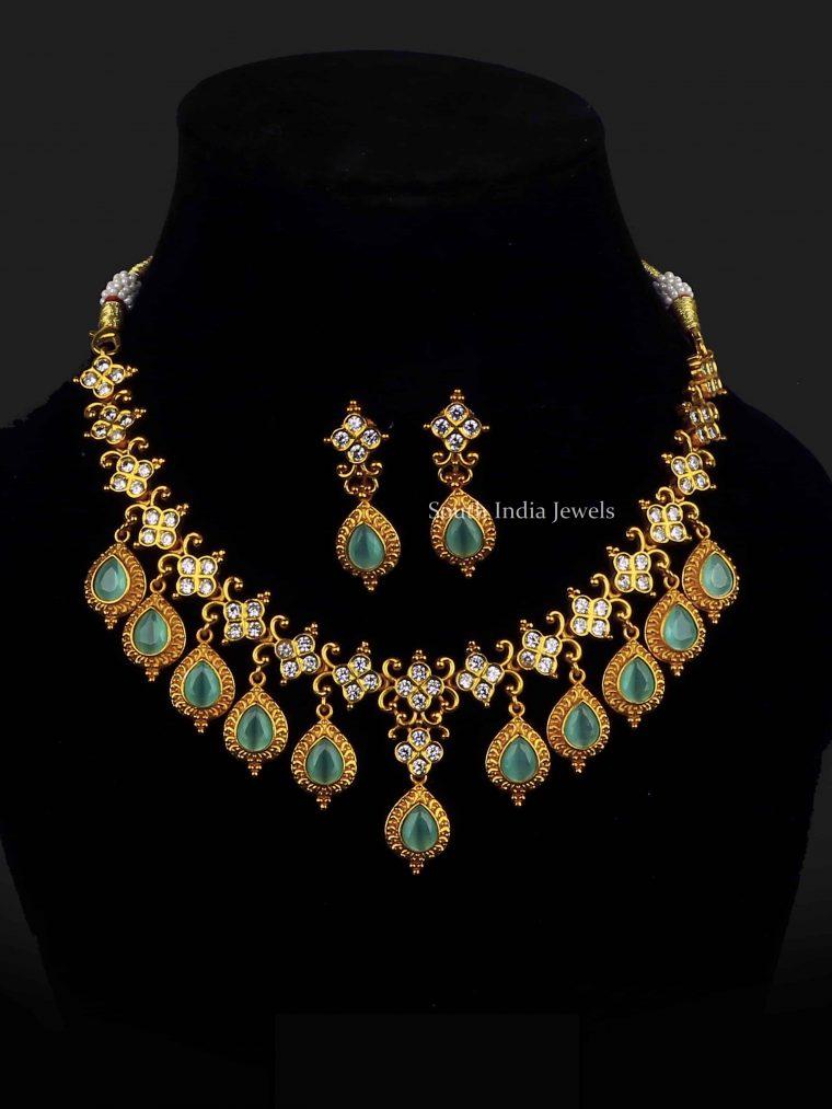 Marvelous Dangle Blue Necklace