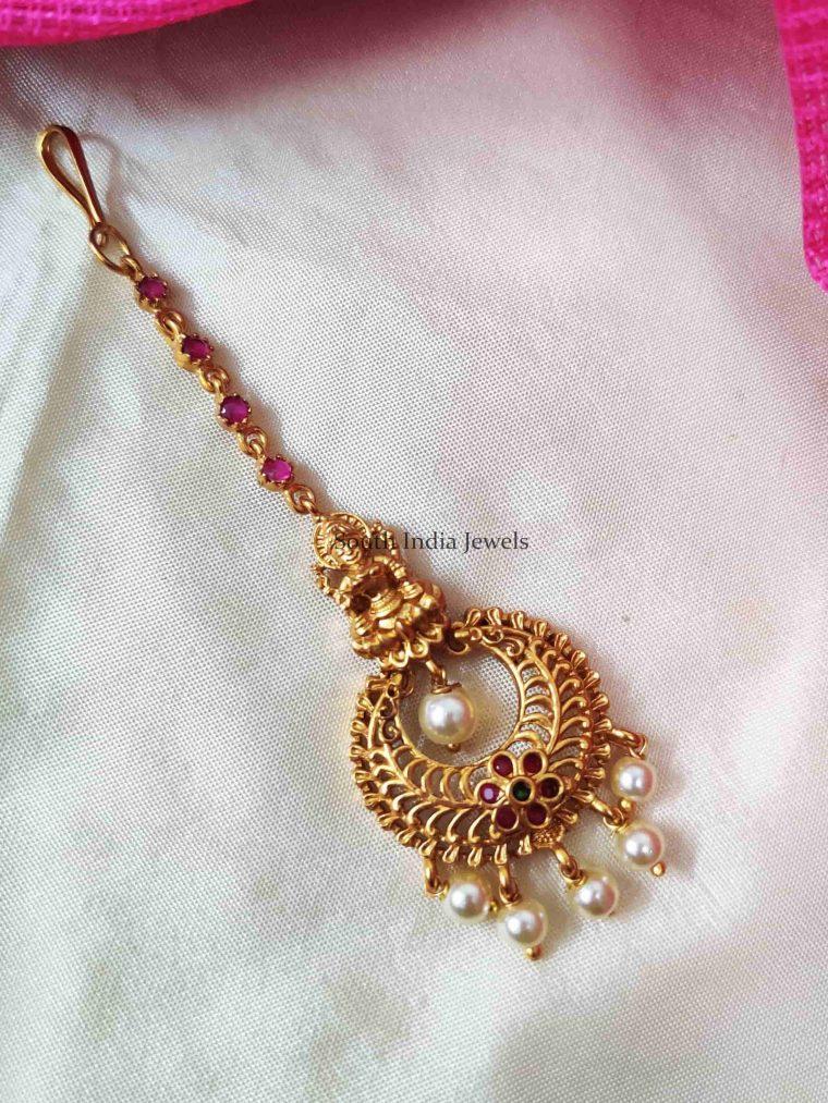 Pearl Hanging Lakshmi Maang Tikka