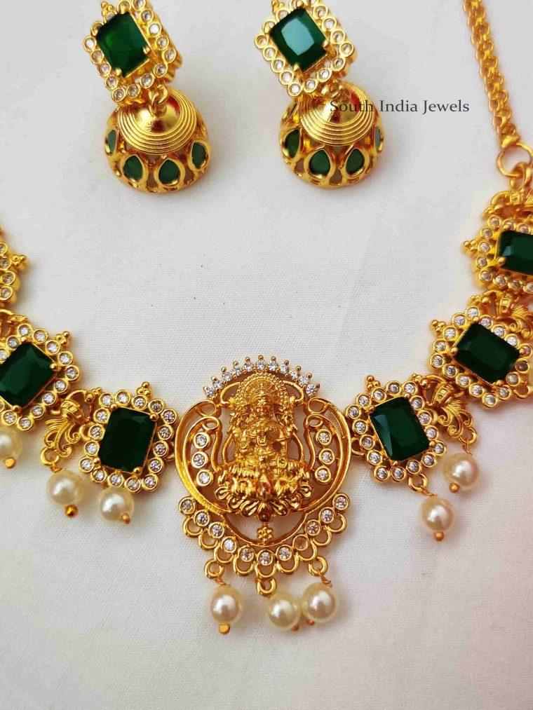 Stunning Lakshmi Green Stone Necklace (2)