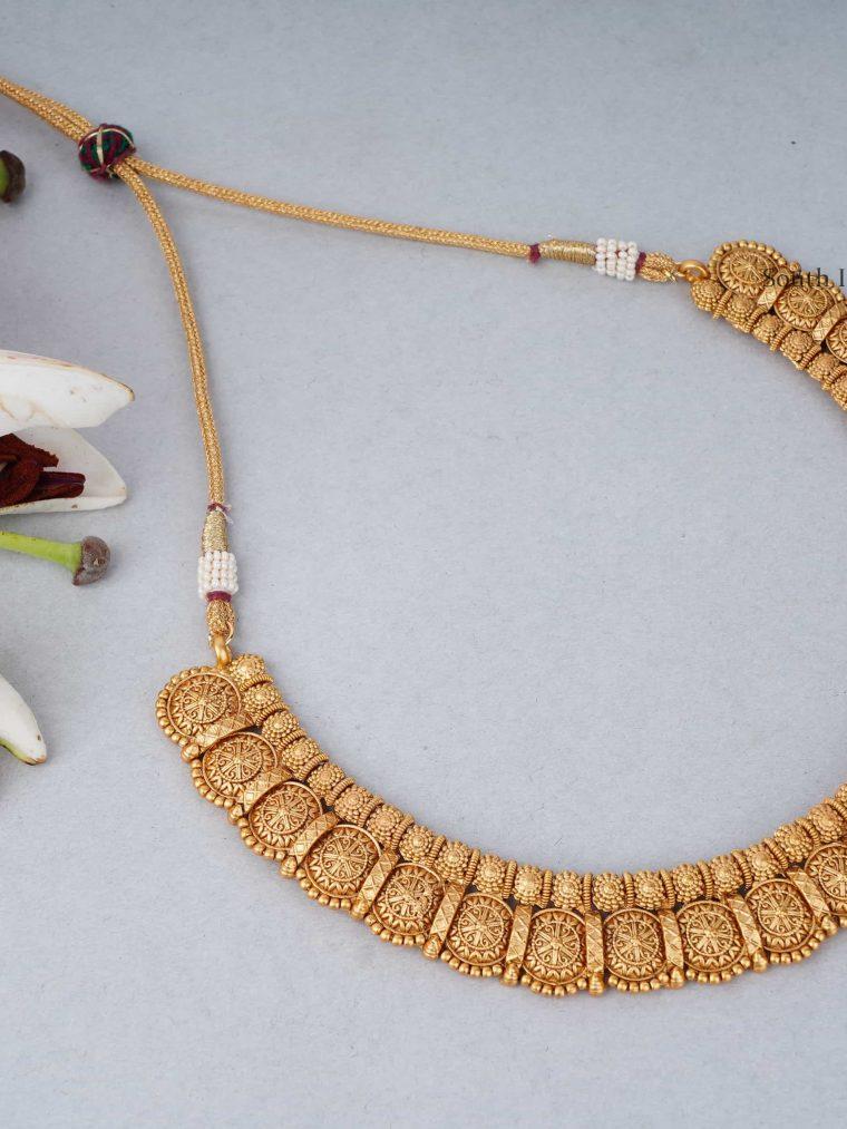Symmetry Round Design Necklace