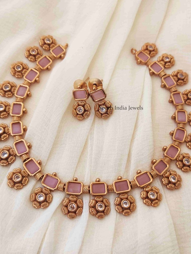 Trendy Pink Flower Necklace