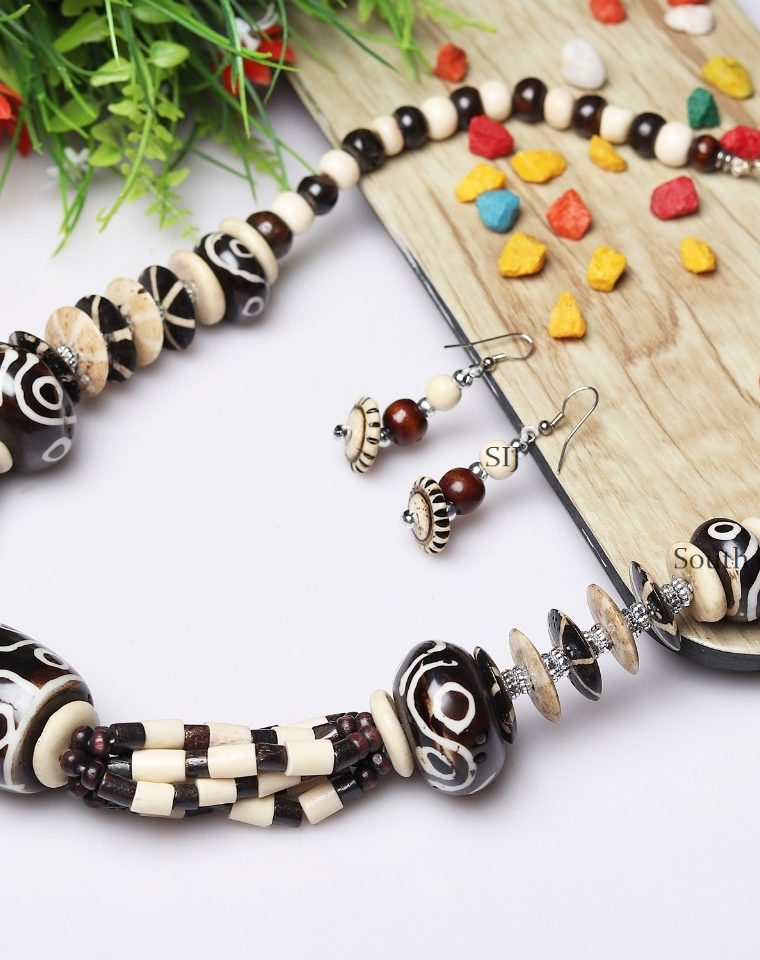 Antique Black And White Necklace Mala