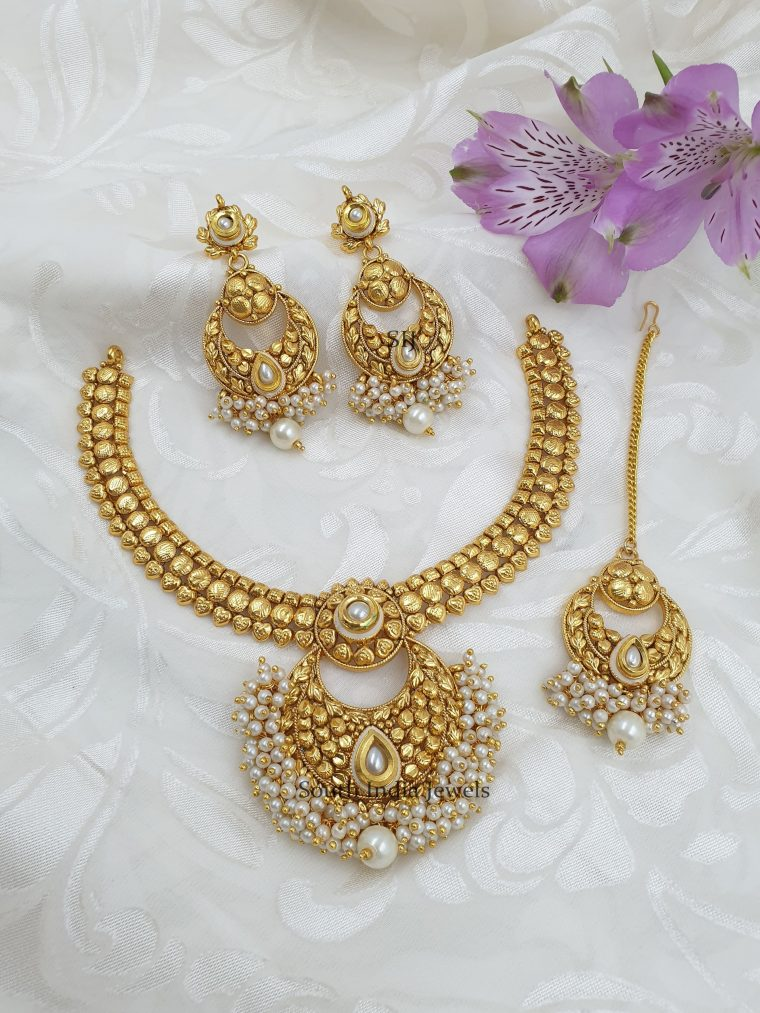 Antique Pearls Necklace With Maang Tikka