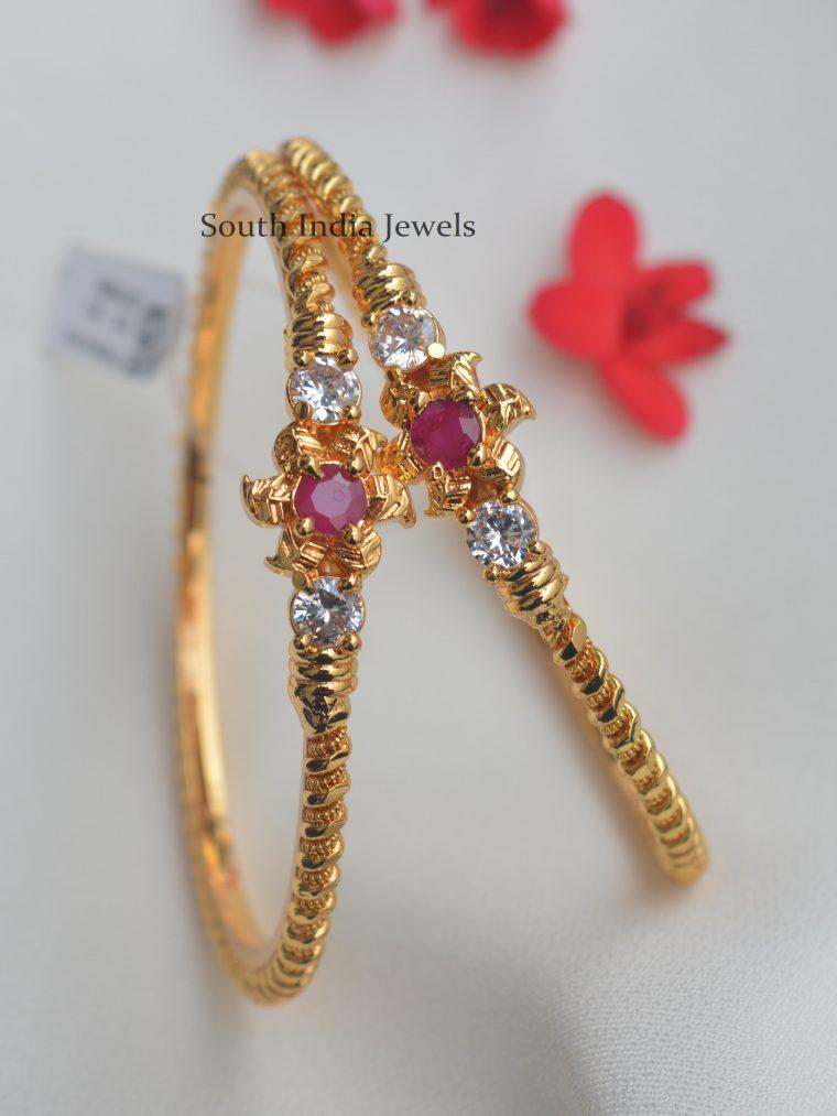 Attractive Flower Design Gold Finish Bangles