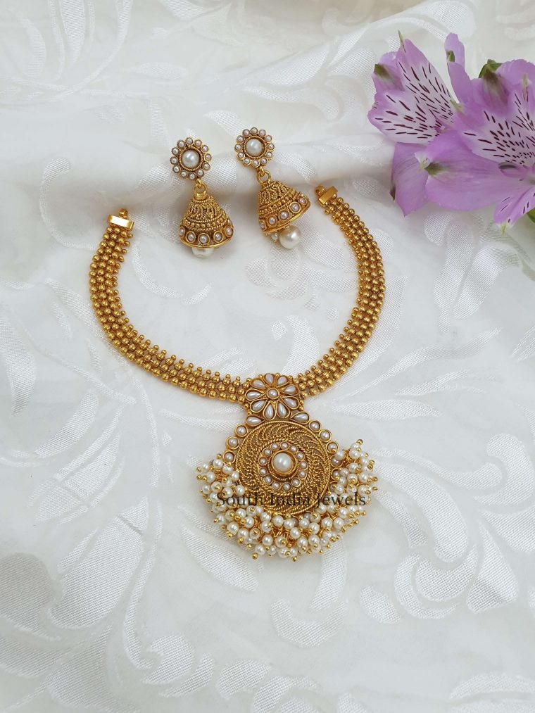 Beautiful Design Pearl Necklace (2)