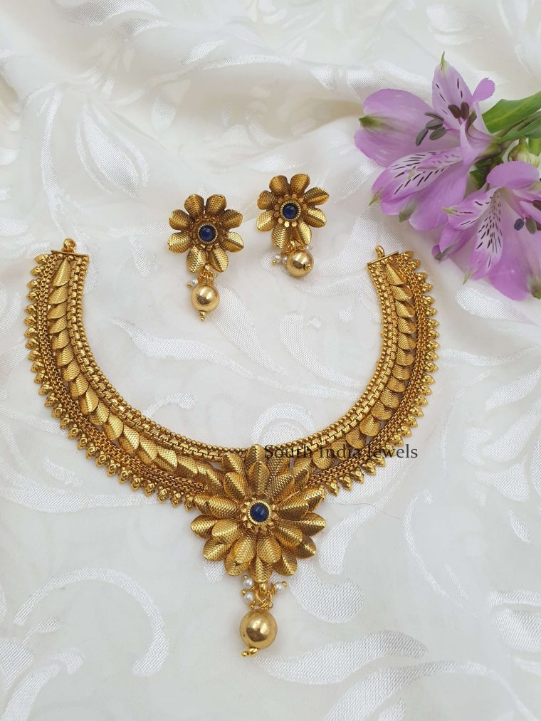 Beautiful Floral Antique Necklace (2)