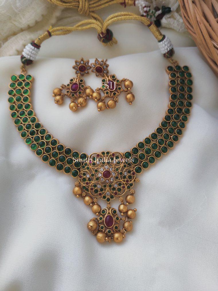 Beautiful Green Kemp Floral Necklace