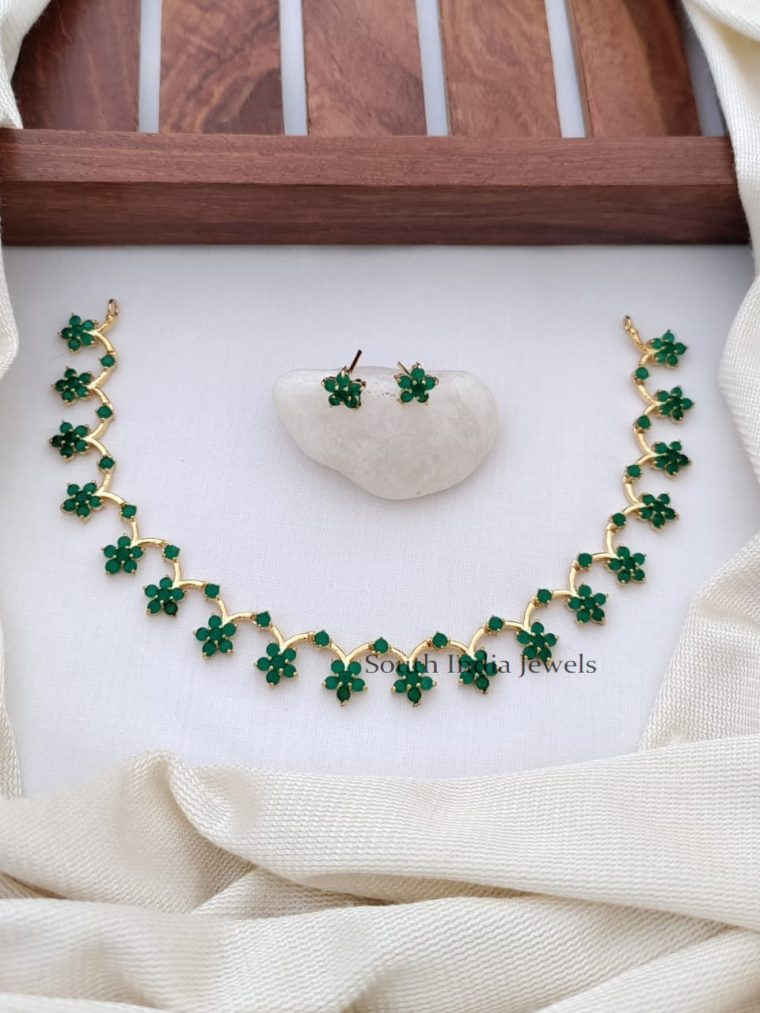 Necklace Length:8.5 Cms; Necklace Width:11 Cms; Ear Ring Height:0.8 Cm; Ear Ring Width:0.8 Cm; Set Weight:28 Grams