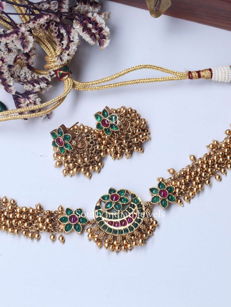 Cute Floral Design Pearls Green Choker