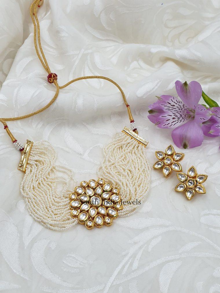Cute Kundan Stones Pearls Choker (2)