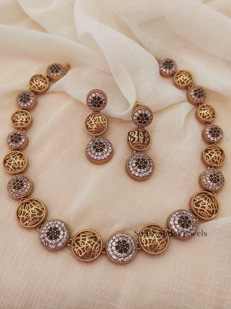 Elegant Gold Finish Round Design Necklace