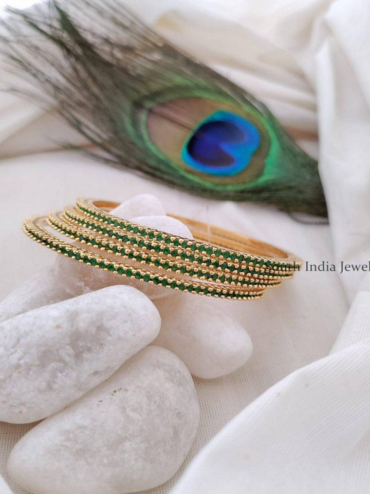 Exclusive Emerald Stone Bangle Set