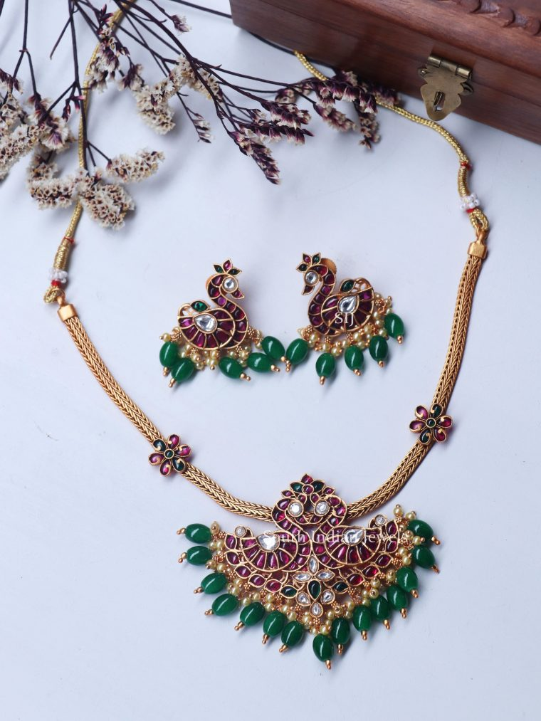 Gorgeous Peacock Green Beads Necklace