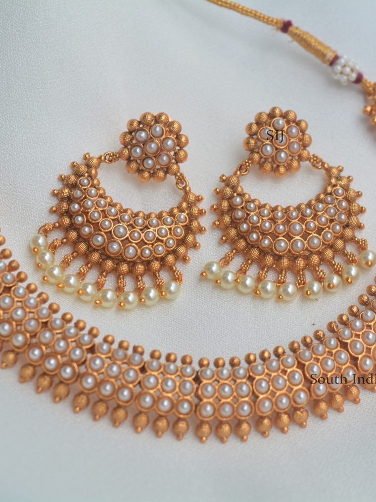 Gorgeous Pearl Design Necklace