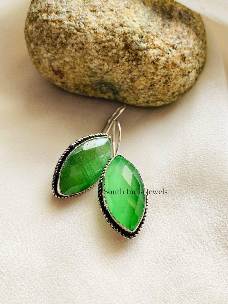Luscious Leaf Green Earrings
