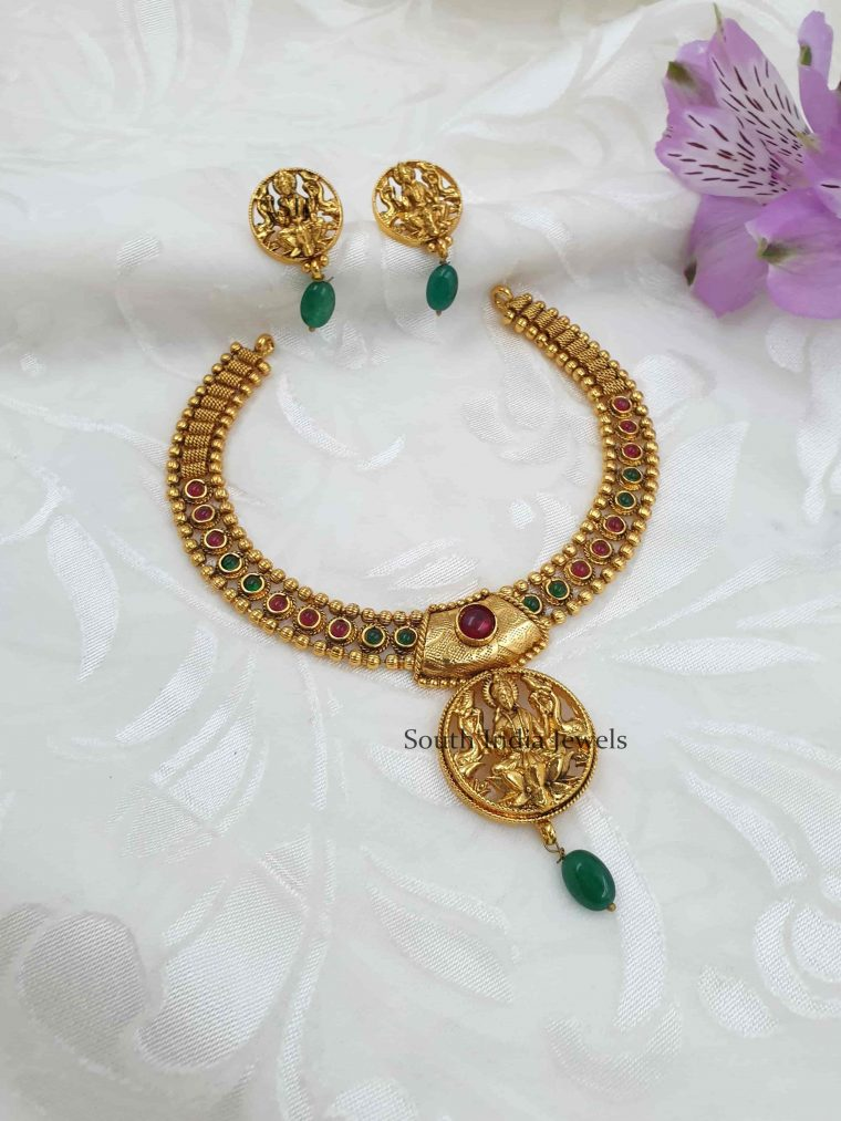 Sleek Lakshmi Antique Necklace Set