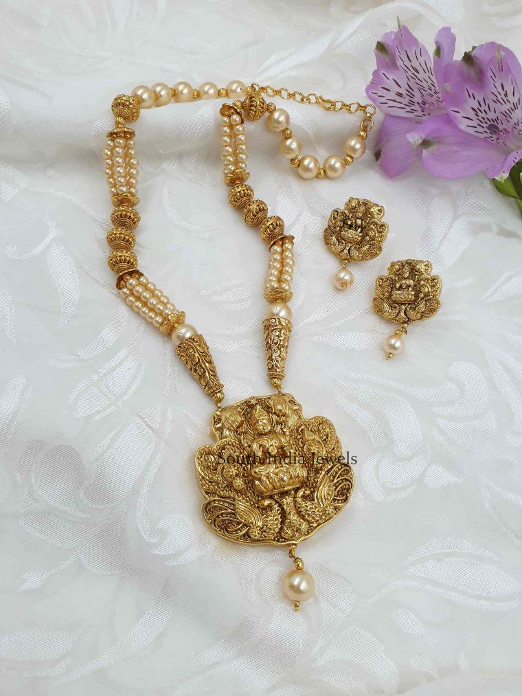 Traditional Lakshmi Pendant Pearl Necklace