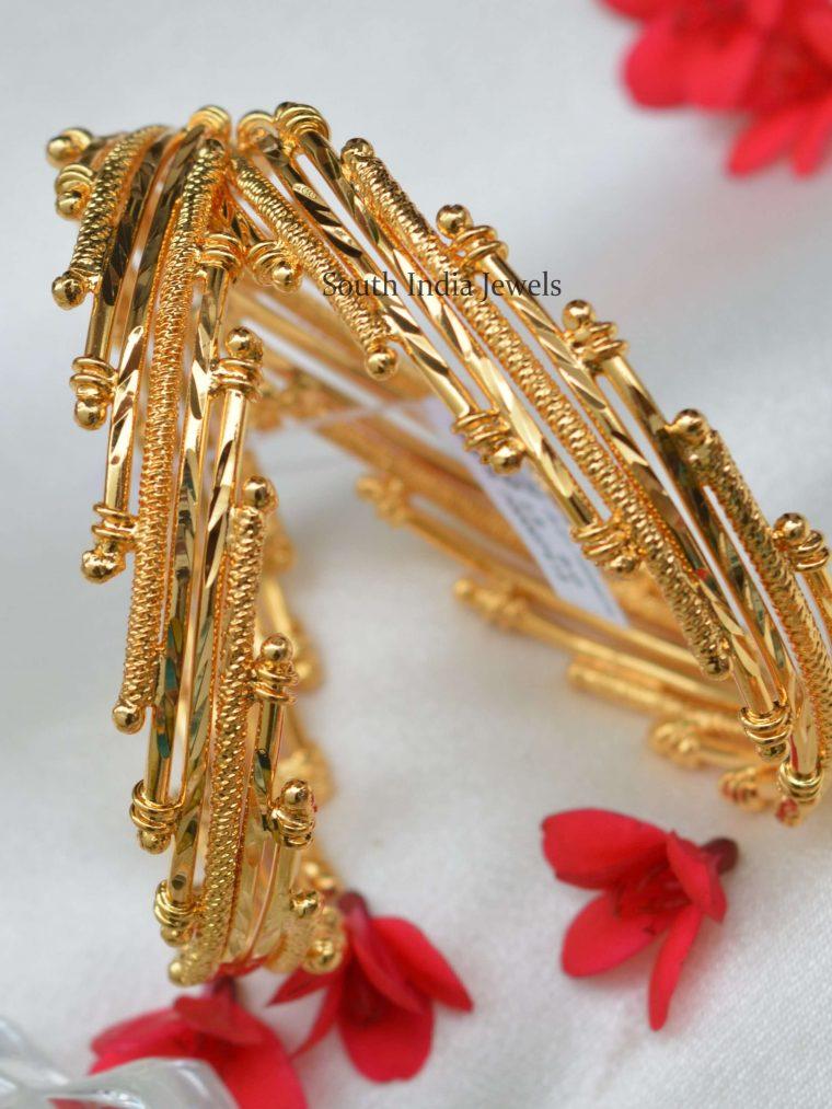 Unique Design Gold Finish Bangle Set
