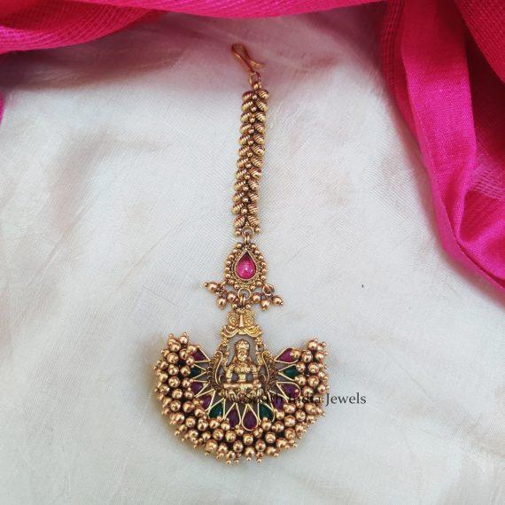 Unique Pearl laxshmi Maang Tikka