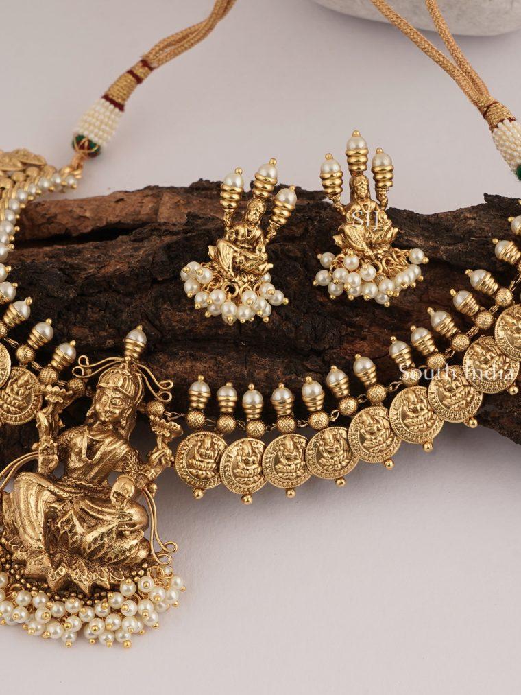 Amazing Lakshmi Pearl Necklace Set