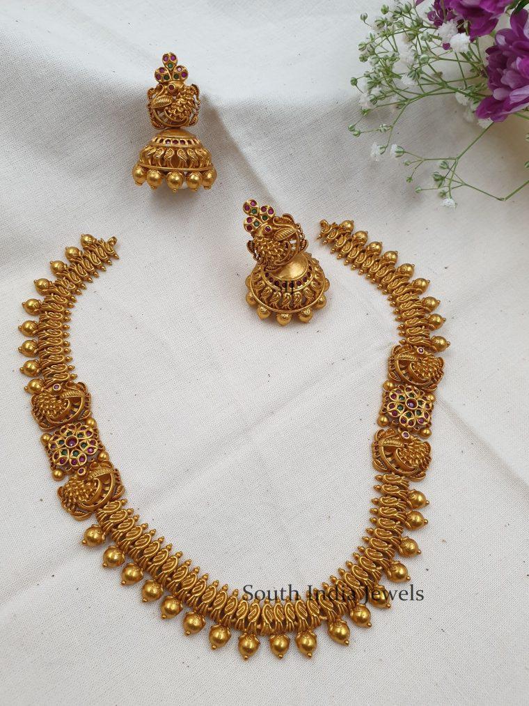 Amazing Matte Floral Necklace