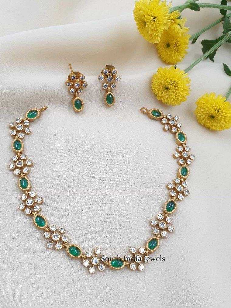 Green Stones Floral Design Necklace