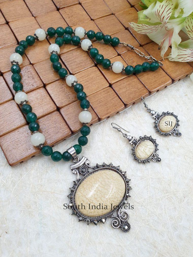 Stunning Beads Pendant Chain
