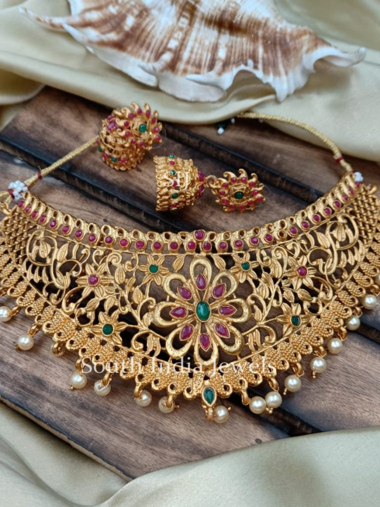 Traditional Floral Design Choker